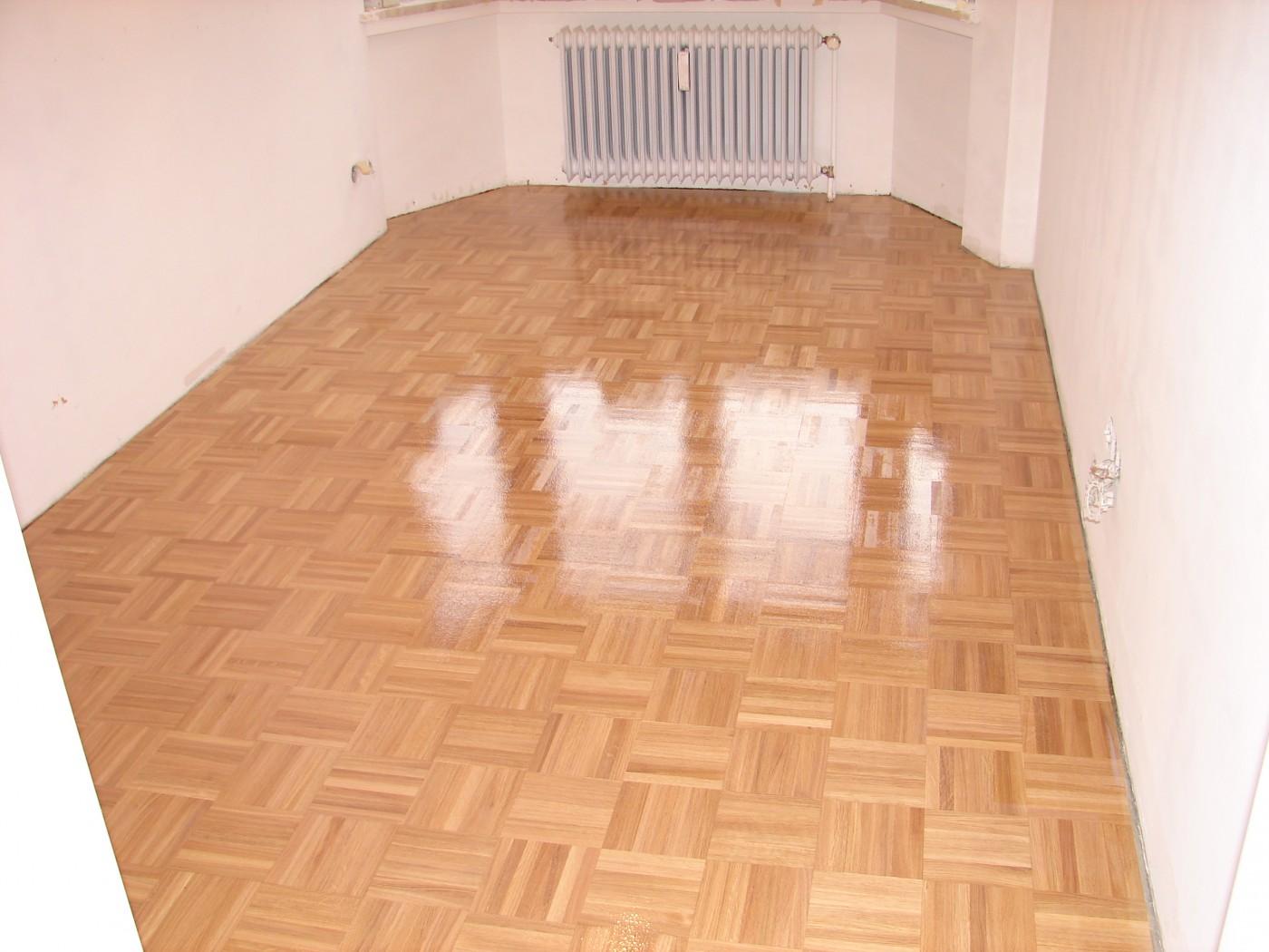 estrich geschliffen und versiegelt silber estrich betonboden versiegeln kosten estrich. Black Bedroom Furniture Sets. Home Design Ideas